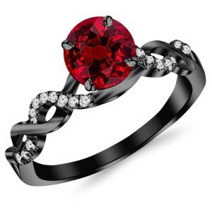 ruby-ring-black-gold