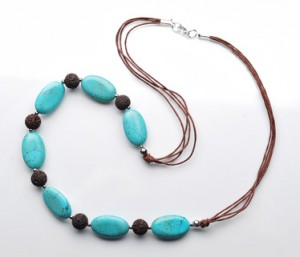 Necklace with turquoise gemstones